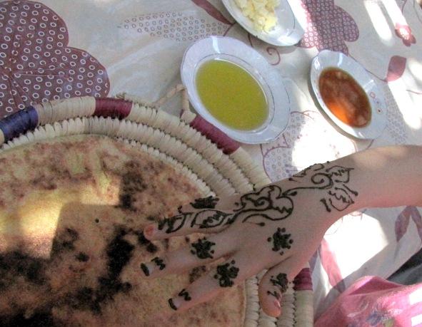 Maroc vallée de Ourika maison Berbère galette, beurre, miel, huile d'olive, pour le thé